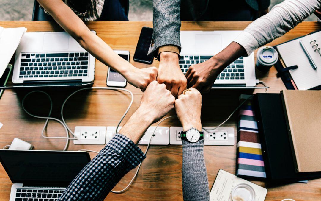 Community manager freelance : construire son réseau professionnel